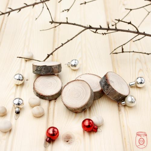 WoodSliceReindeerOrnament-1